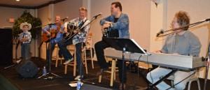 2014SMSWF0823SAT260-Tristin-Hicklin-sings-w-Bill-Anderson-700x300 (2)